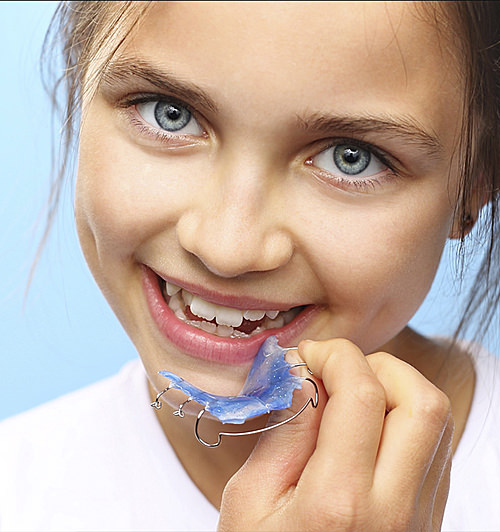 Herausnehmbare Zahnspange Mädchen